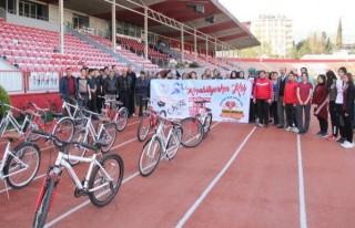 12 Şubat Stadı'nda bisikletli günler başladı!