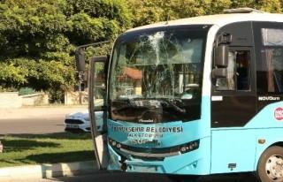 Halk otobüsleri çarpıştı: 7 yaralı!