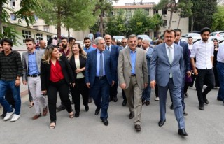 Büyükşehir'in aşure ikramı KSÜ'de devam etti