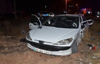 İki kardeşin otomobilleri çarpıştı: 9 yaralı!