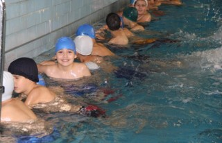 """""""Yüzme Bilmeyen Kalmasın"""" projesi başlatıldı..."""