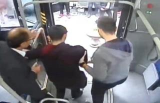 Otobüste rahatsızlanan yolcu için hastaneye sürdü