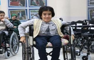 Büyükşehir Belediyesi 67 engelliyi sevindirildi