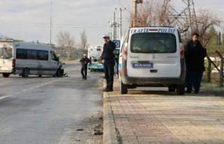 Öğrenci servisi halk otobüsüne çarptı: 8 yaralı!
