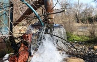 Kahramanmaraş'ta yeraltı suyu yüzeye fışkırdı!