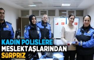 Kadın polislere mestektaşlarından sürpriz