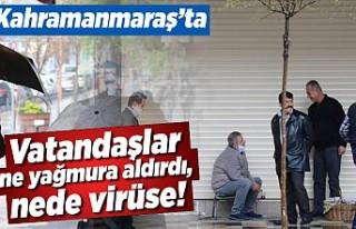 Kahramanmaraş'ta vatandaşlar ne yağmura aldırdı,...