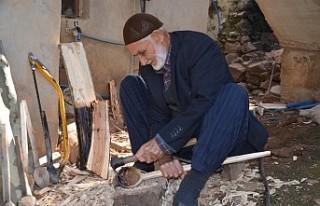 Ahmet dede yaptığı tahta kaşıkları gelinlik...
