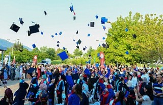 Üniversitemiz 2020-2021 Akademik Yılı Mezunlarını...