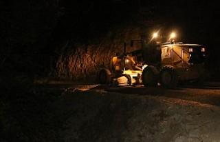 Çağırkan'ın 5 Kilometrelik Yolunda Gece Mesaisi