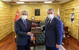 BBP Genel Başkan Yardımcısı Yardımcıoğlu, Üniversitemiz Rektörü Can'ı Ziyaret Etti
