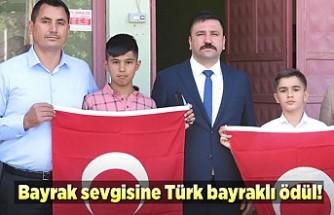 Bayrak sevgisine Türk Bayraklı ödül