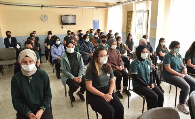 Türkoğlu Belediyesinin eğitim seferberliği devam ediyor.