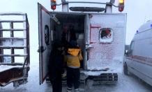 Mahsur kalan aile paletli ambulansla kurtarıldı!