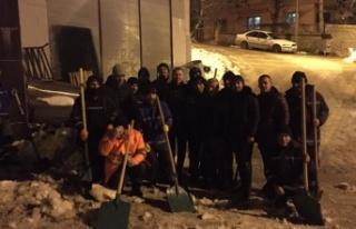 Büyükşehir kar temizliğine aralıksız devam ediyor!