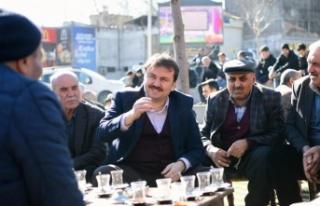 Kahramanmaraş'ta Başkan Erkoç vatandaşlarla...